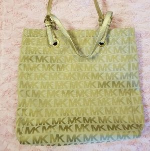Authentic Michael Kors Bag Great Condition